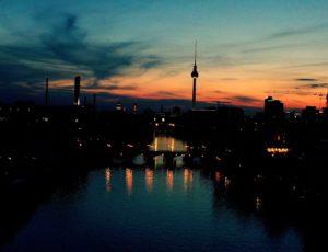Schwarzblond – Nachts in Kreuzberg